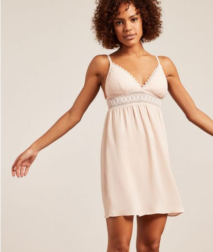 VOYAGE Nightdress with lace neckline